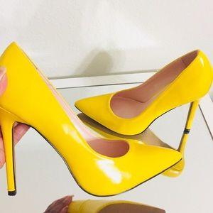 💥Brand New Yellow Pointy Toe Heels